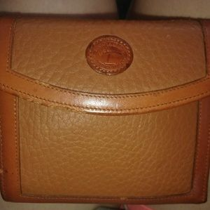 Awesome condition Dooney and Bourke vintage wallet